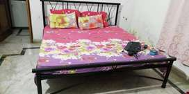 Iron Bed king size