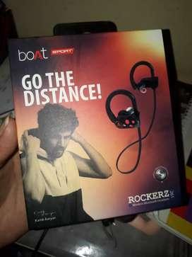 Boat rockerz 261 headset