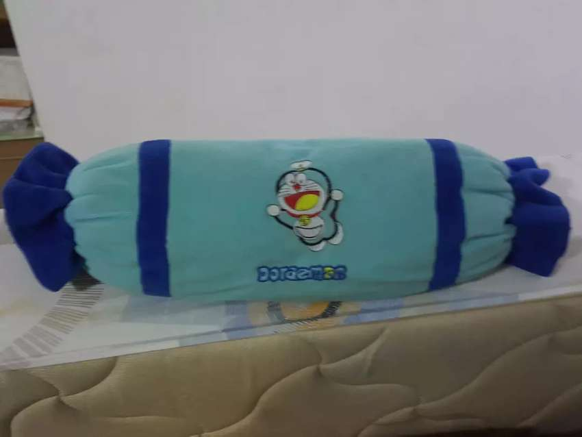 Dijual Guling Motif Doraemon & Winnie The Pooh 2 Pcs 0