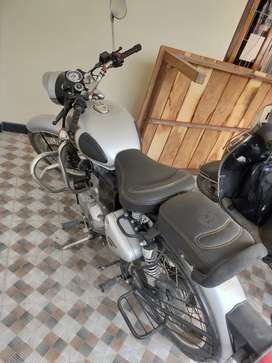 Silver color classic bullet,single handed,only 22500 km , Deoria no ha