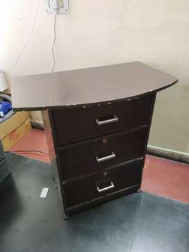 Table with 3 huge drawers