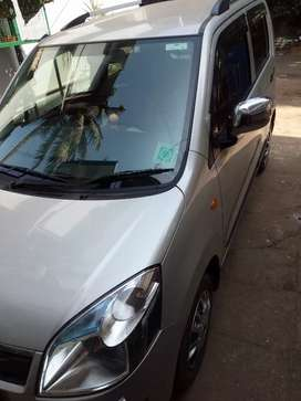 Uber attached taxi  ,mileage 20 k/m ph 9946 four four 0419