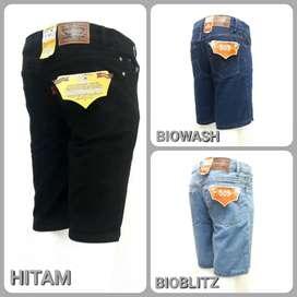 Celana jeans pendek