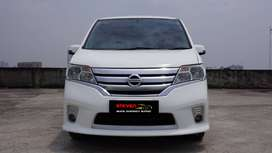 Nissan Serena HWS 2.0 AT 2013 White Pearl Well Maintained