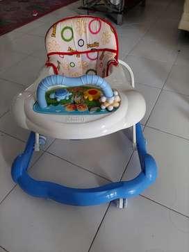 Baby walker bekas