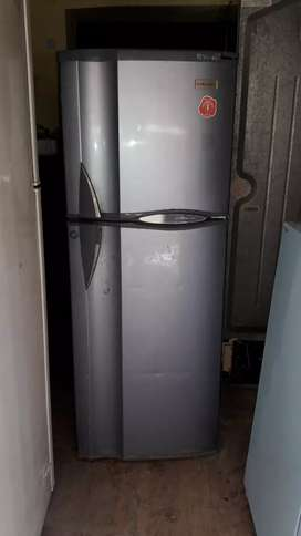 Electrolux freeze 260 ltr. O.k condition perfect cooling