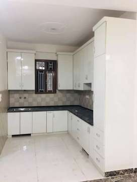 I want to sell well furnished 3 bhk just 38 lakh
