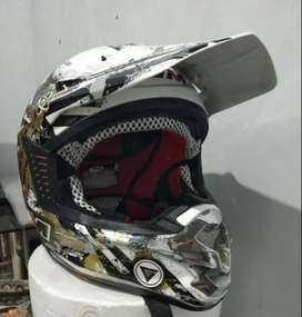 Helm GM Croos Full Face Mulus.
