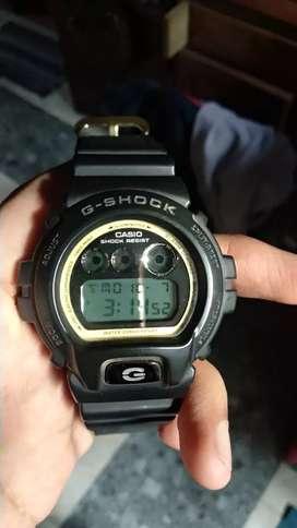 Di jual jam G-Shock dw 6900 hitam emas