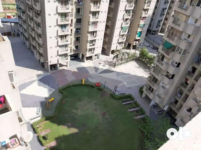 Naranpura 4 BHK flat for sale 0