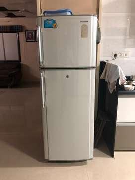 Samsung refrigrator (270 litr)