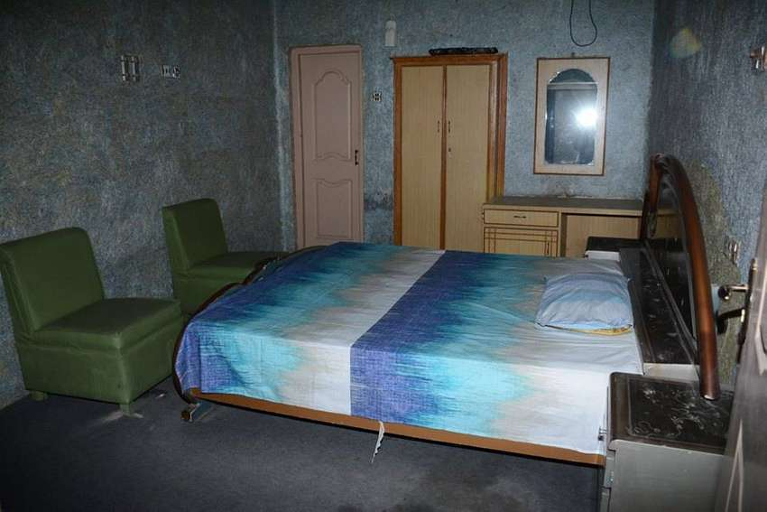 Room Availible for Rent In Flat with Attach Bathroom 0