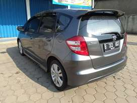 HONDA JAZZ RS 2011 AT/TRIPTONIC ABU-ABU