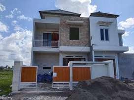 #0077 Dijual rumah baru Gress lantai 2 di pura Demak  Teuku Umar