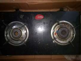 GAS STOVE IN GOOD CONDITION