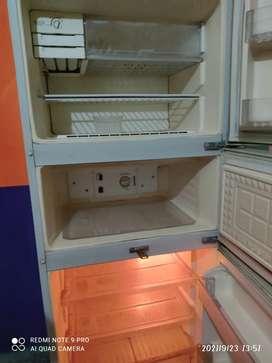 Lg fridge good conditions..