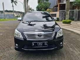Toyota kijang innova inova 2013 manual hitam asli N malang kota