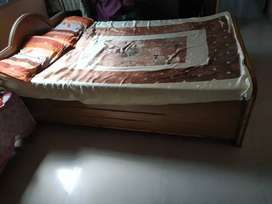 Good condition bed 4*6
