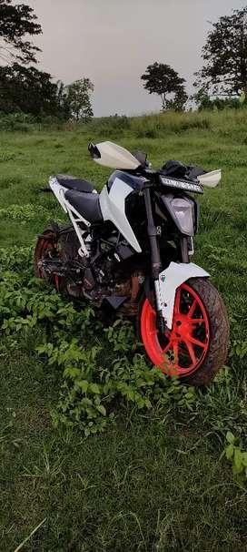 Duke200 Bs6