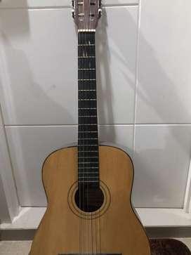Gitar akustik bagus murah ciamik warna cream senar baru tinggal pake