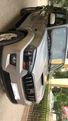 Mahindra Scorpio s10 space grey 2016 first owner