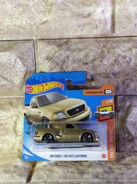 Hot Wheels 99 Ford F 150 SVT Lightning HotWheels