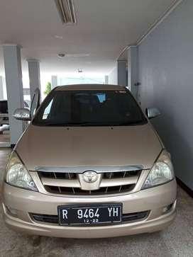 jual mobil innova tipe V tahun 2004 plat R