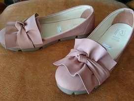 Flatshoes warna pitch