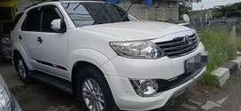 Toyota fortuner TRD G manual Putih 2012