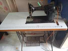 Good Condition Ladies tailoring Machine
