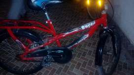 Hero cycle in good condition red colour
