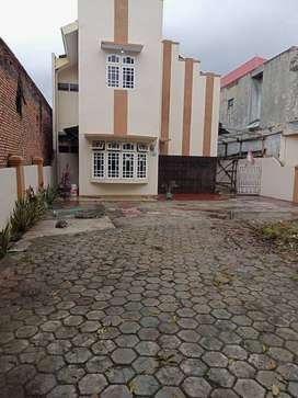 Dijual Ruang Usaha Rumah 2 lantai di Pinggir Jalan Cakung, Jakarta Tim