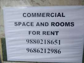 Commercial space and rooms for rent