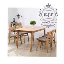 Meja makan minimalis k4