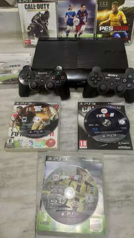 Sony PS3 Slim with 2 Controller & 8 Games Disc