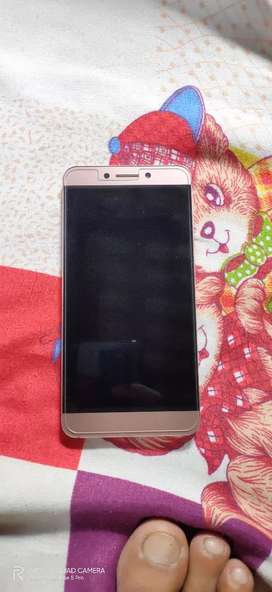 LeEco Le2 mobile phone 2 years old