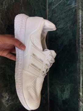 Adidas sports shoes white