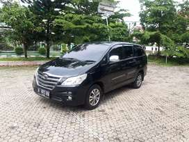 Toyota innova G AT / Matic Diesel