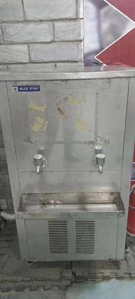 80 ltrs capacity blue star compressor neat running condition