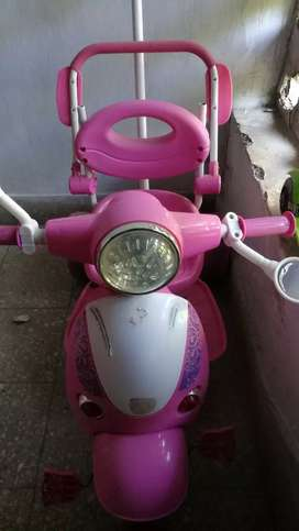 Pink colour scooter style cycle for girl child