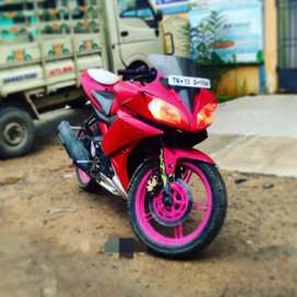 R15 v2 model2015 super condition argent sell