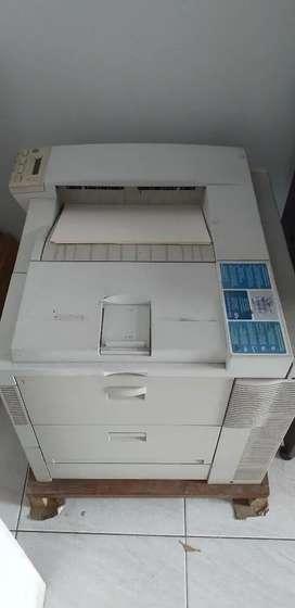 Printer hp laserjet 8150n. Bonus 2 tabung toner