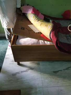 Single bed box