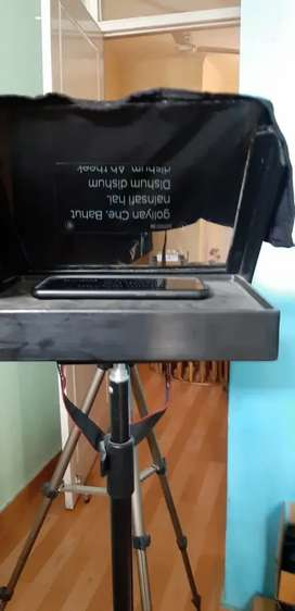 Teleprompter  for youtubers and media enthusiasts