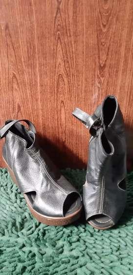 Sepatu Wedges Belife