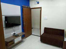 No brokrage ! 1 BHK fully furnished flat at bombay hospital area