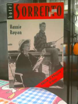 Buku / Novel Hotel Sorrento , Karya : Hannie Rayson .
