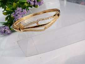 1 karet gold paleted fashion bangle braceletvfor women and girls