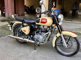 Enfield Classic 500 Parsi owned (Negotiable)