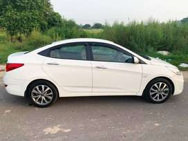 Brand New condition Verna 2014, New Tyres first owner showroom conditn